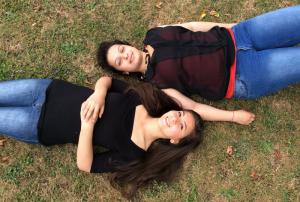 Freundinnen: Naja (links) und Perihan haben sich schnell angefreundet